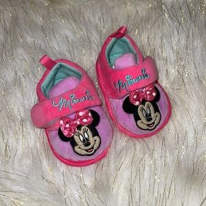 Disney   size 2   Minnie Mouse slippers